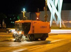 Winterreinigung-Lummax-300x219 Infrastrukturelle  Dienstleistungen